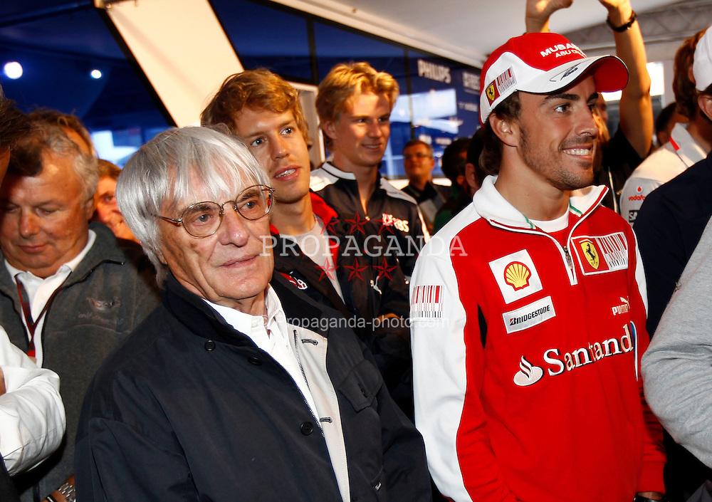 Motorsports / Formula 1: World Championship 2010, GP of Belgium, Bernie Ecclestone, 08 Fernando Alonso (ESP, Scuderia Ferrari Marlboro),
