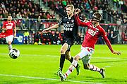ALKMAAR - 26-10-2016, AZ - FC Emmen, AFAS Stadion, 1-0, FC Emmen speler Tim Siekman, AZ speler Wout Weghorst