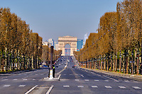 France, Paris (75), Avenue des Champs Élysées durant le confinement du Covid 19 // France, Paris, Champs Élysées avenue during the containment of Covid 19