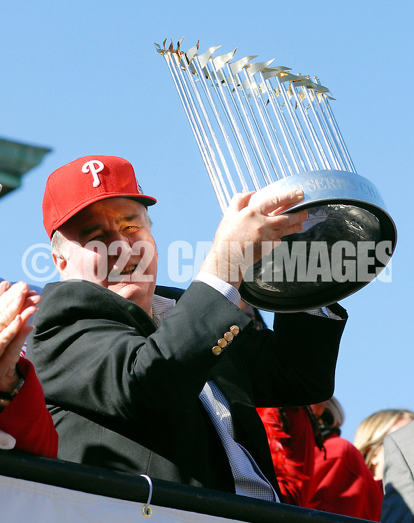 PHILADELPHIA, PA - OCTOBER 31: Philadelphia Phillies President Dave Montgomery hold the World Series trophy during the World Championship Parade October 31, 2008 in Philadelphia, Pennsylvania. The Phillies defeated the Tampa Bay  Rays to win their first World Series in 28 years. (Photo by William Thomas Cain/Getty Images)