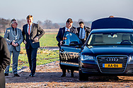 WAGENINGEN - King Willem-Alexander during the visit to the nature reserve Mooi Binnenveld. Willem-Alexander visits the project in the context of Samen Doen #krachtvansamen.  copyright robin utrecht
