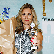 NLD/Amsterdam/20150909 - Uitreiking Mamma of The Year Awards, Elle van Rijn wint de L'Oreal Paris Beauty Mama of the Year Award.