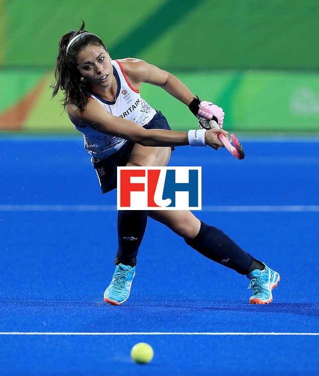 RIO DE JANEIRO, BRAZIL - AUGUST 11:  Sam Quek #13 of Great Britain makes a pass during a Women's Preliminary Pool B match against Japan at the Olympic Hockey Centre on August 11, 2016 in Rio de Janeiro, Brazil.  (Photo by Sam Greenwood/Getty Images)