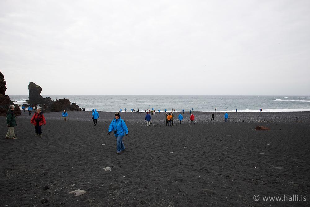 Tourists at Djupalonssandur, Iceland-  Ferðamenn við Djúpalónssand á Snæfellsnesi