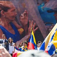 Juan Guaidó, presidente interino de la República de Venezuela, habla en la concentración. Marzo y manifestación convocada este martes, 12 de febrero, por Juan Guaidó, presidente de la Asamblea Nacional que asumió como Presidente interino de Venezuela con el propósito de alentar a las Fuerzas Armadas a permitir la entrada de ayuda humanitaria a Venezuela. March and rally called for this Tuesday, February 12, by Juan Guaidó, president of the National Assembly sworn in as Acting President of Venezuela with the purpose of encouraging the Armed Forces to allow the entry of humanitarian aid to Venezuela.