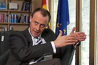 02 APR 2004, BERLIN/GERMANY:<br /> Friedrich Merz, CDU, Stellv. Fraktionsvorsitzender der CDU/CSU Bundestagsfraktion, waehrend einem Interview, in seinem Buero, Jakob-Kaiser-Haus, Deutscher  Bundestag<br /> IMAGE: 20040402-01-020<br /> KEYWORDS: B&uuml;ro