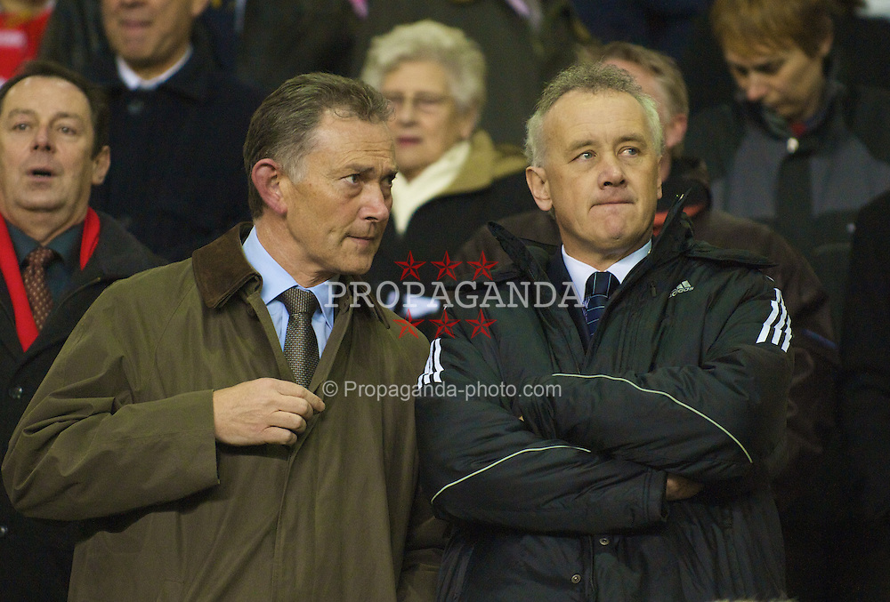 LIVERPOOL, ENGLAND - Wednesday, March 5, 2008: Liverpool's Chief-Executive Rick Parry (R) and FA Premier League Chief-Executive Richard Scudamore watch the Premiership match between Liverpool and West Ham United at Anfield. (Photo by David Rawcliffe/Propaganda)