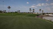 1st green, The Track at The Meydan Golf Club, Dubai, United Arab Emirates.  31/01/2016. Picture: Golffile | David Lloyd<br /> <br /> All photos usage must carry mandatory copyright credit (© Golffile | David Lloyd)