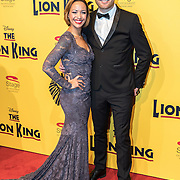 NLD/Scheveningen/20161030 - Premiere musical The Lion King, Sonja Silva en partner Pycke Pos