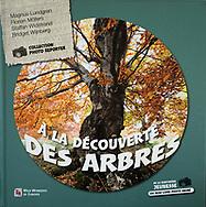 Kids book, À La Découverte Des Arbres, French,