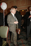 COLIN DEXTER, Oldie magazine's Oldie of the Year Awards 2006. Simpson's. the Strand. London.21 March 2006.  ONE TIME USE ONLY - DO NOT ARCHIVE  © Copyright Photograph by Dafydd Jones 66 Stockwell Park Rd. London SW9 0DA Tel 020 7733 0108 www.dafjones.com