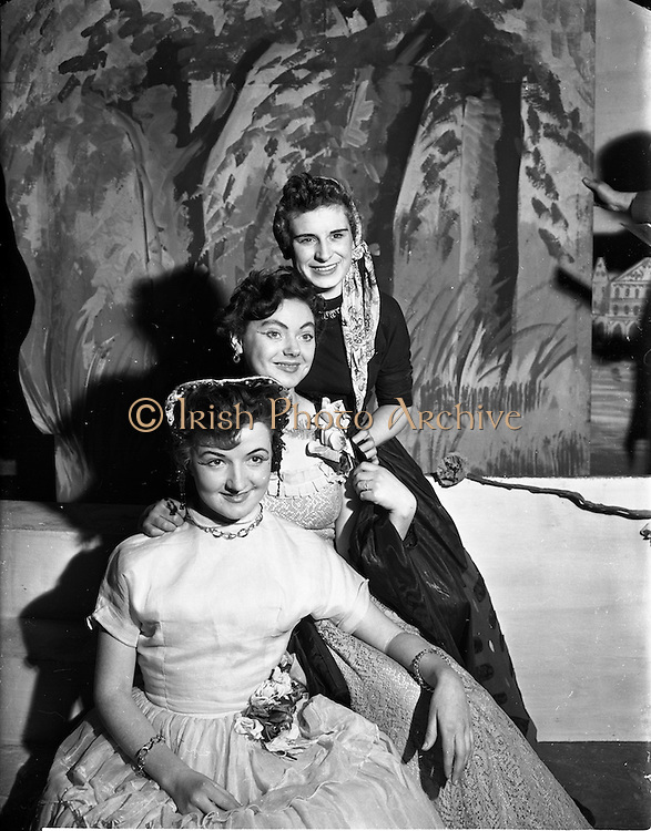 "27/11/1952<br /> 11/27/1952<br /> 27 November 1952<br /> Celine Murphy as ""Runaway Girl"", O'Connell School Musical and Dramatic Society Presentation at O'Connell Hall. Fergus O'Kelly on left."