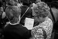OSTIA, ROMA - 17 GIUGNO 2016: Chiusura della campagna elettorale di Virginia Raggi, candidata a sindaco nelle elezioni amministrative di Roma, a Piazza dei Ravennati a Ostia, Roma.