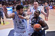 Dustin Hogue, Brian Sacchetti<br /> Dolomiti Energia Aquila Basket Trento - Banco di Sardegna Dinamo Sassari<br /> Lega Basket Serie A 2016/2017<br /> Trento, 08/04/2017<br /> Foto Ciamillo - Castoria