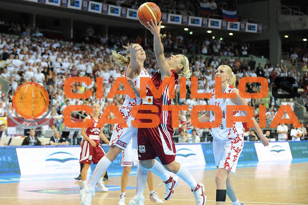 DESCRIZIONE : Riga Latvia Lettonia Eurobasket Women 2009 Quarter Final Russia Lettonia Russia Latvia<br /> GIOCATORE : Anete Jekabsone<br /> SQUADRA : Lettonia Latvia<br /> EVENTO : Eurobasket Women 2009 Campionati Europei Donne 2009 <br /> GARA : Russia Lettonia Russia Latvia<br /> DATA : 18/06/2009 <br /> CATEGORIA : super tiro<br /> SPORT : Pallacanestro <br /> AUTORE : Agenzia Ciamillo-Castoria/M.Marchi<br /> Galleria : Eurobasket Women 2009 <br /> Fotonotizia : Riga Latvia Lettonia Eurobasket Women 2009 Quarter Final Russia Lettonia Russia Latvia<br /> Predefinita :