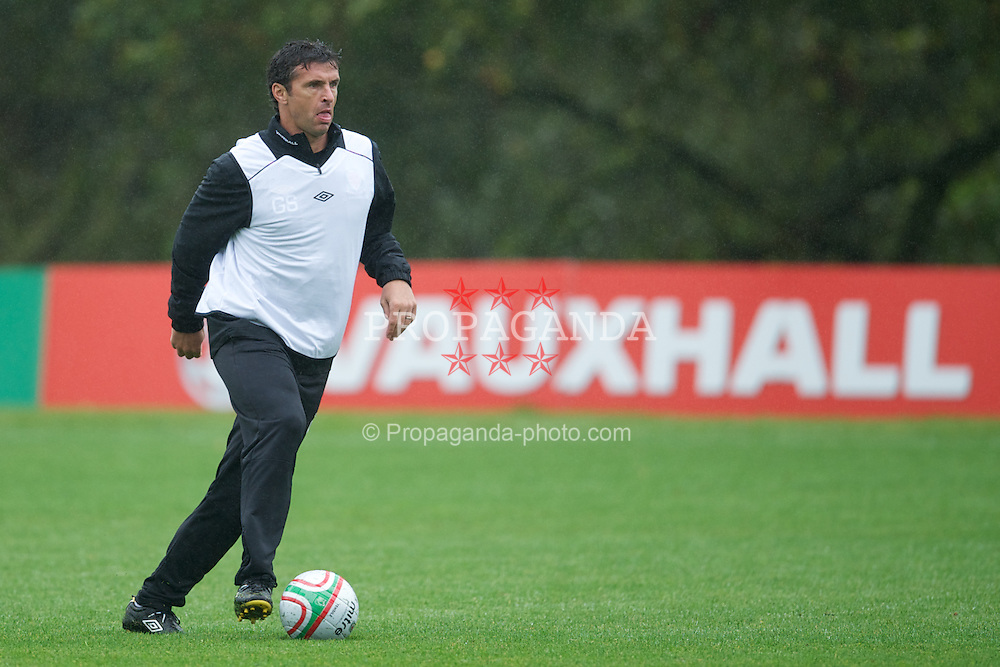 CARDIFF, WALES - Wednesday, October 5, 2011: Wales' manager Gary Speed MBE during a training session at the Vale of Glamorgan Hotel ahead of the UEFA Euro 2012 Qualifying Group G match against Switzerland. (Pic by David Rawcliffe/Propaganda)