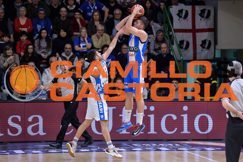 DESCRIZIONE : Beko Legabasket Serie A 2015- 2016 Dinamo Banco di Sardegna Sassari - Betaland Capo d'Orlando<br /> GIOCATORE : Vojislav Stojanovic<br /> CATEGORIA : Tiro Tre Punti Three Point Controcampo<br /> SQUADRA : Betaland Capo d'Orlando<br /> EVENTO : Beko Legabasket Serie A 2015-2016<br /> GARA : Dinamo Banco di Sardegna Sassari - Betaland Capo d'Orlando<br /> DATA : 20/03/2016<br /> SPORT : Pallacanestro <br /> AUTORE : Agenzia Ciamillo-Castoria/L.Canu