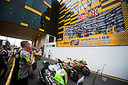 November 16-20, 2016: Macau Grand Prix. 2 Michael RUTTER, Bathams/SMT Racing, 1 Peter HICKMAN, Bathams/SMT Racing, 40 Martin JESSOPP, Riders Motorcycles BMW