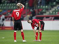 Fussball  UEFA Pokal  Viertelfinale  Hinspiel   Saison 2006/2007 Bayer 04 Leverkusen - CA Osasuna                Sergej BARBAREZ (li) und Tranquillo BARNETTA (re, beide Leverkusen) enttaeuscht