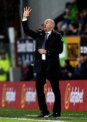 An animated Burnley manager Sean Dyche - Mandatory by-line: Robbie Stephenson/JMP - 31/01/2017 - FOOTBALL - Turf Moor - Burnley, England - Burnley v Leicester City - Premier League