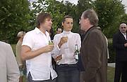 Simon le Bon, Yasmin le Bon and Wolfgang Reitzle. Serpentine Summer Gala. 28 June 2001. © Copyright Photograph by Dafydd Jones 66 Stockwell Park Rd. London SW9 0DA Tel 020 7733 0108 www.dafjones.com