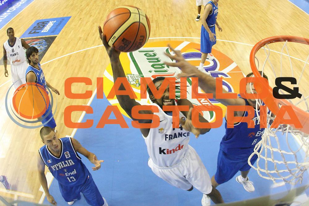 DESCRIZIONE : Alicante Spagna Spain Eurobasket Men 2007 Francia Italia France Italy <br /> GIOCATORE : Ronny Turiaf <br /> SQUADRA : Francia France <br /> EVENTO : Eurobasket Men 2007 Campionati Europei Uomini 2007 <br /> GARA : Francia Italia France Italy <br /> DATA : 04/09/2007 <br /> CATEGORIA : Special San Miguel <br /> SPORT : Pallacanestro <br /> AUTORE : Ciamillo&amp;Castoria/G.Ciamillo <br /> Galleria : Eurobasket Men 2007 <br /> Fotonotizia : Alicante Spagna Spain Eurobasket Men 2007 Francia Italia France Italy <br /> Predefinita :