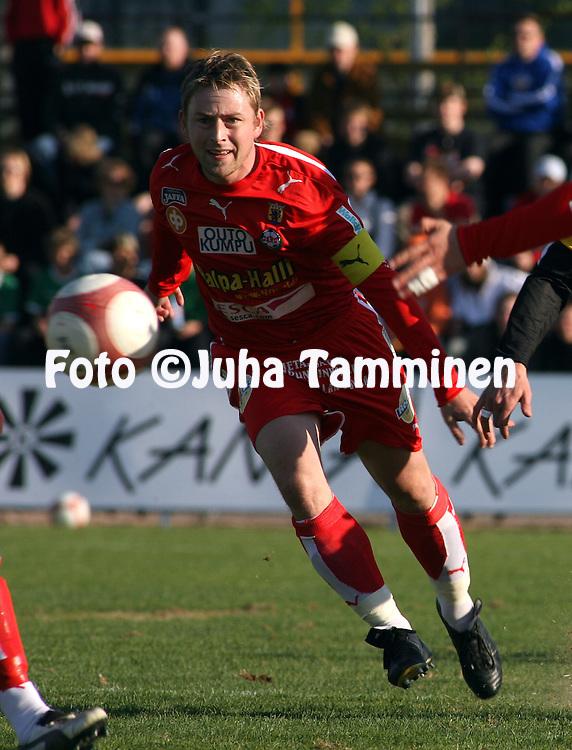10.05.2006, Tapiolan Urheilupuisto, Espoo, Finland..Veikkausliiga 2006 - Finnish League 2006.FC Honka - FF Jaro.Jimmy Wargh - Jaro.©Juha Tamminen.....ARK:k