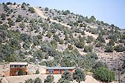 Het plaatsje Austin (Nevada) is een bijna verlaten ghost town in Lander County. Austin is in 1862 ontstaan tijdens de zilverkoorts en telde een jaar later 10.000 inwoners. Hoewel er nog steeds zilver wordt gewonnen, is de poplutie snel gedaald. <br /> <br /> The town of Austin (Nevada) is a living ghost town in Lander County. Austin is originated in 1862 during the silver rush and a year later had 10,000 inhabitants. While there is still silver is found, the poplutie has declined rapidly.