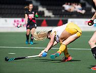 AMSTELVEEN - Ireen van den Assem (Den Bosch)   tijdens de finale van de play-offs om de landtitel in het Wagener stadion, tussen Amsterdam en Den Bosch.  COPYRIGHT KOEN SUYK