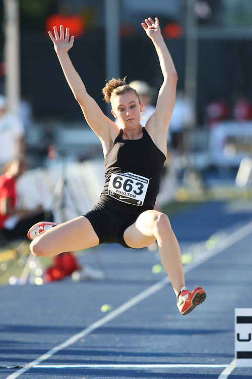 (Toronto, Ontario---26/06/09)   Carly Youlton competing in  long jump qualifying at the 2009 Canadian National Track and field Championships. Photograph copyright Sean Burges / Mundo Sport Images, 2009. www.mundosportimages.com / www.msievents.