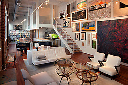 Loft 101 @ The Biscuit by Johnson Fain Architects / Photography by Tom Bonner