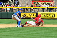 May 1 2011; Phoenix, AZ, USA; Arizona Diamondbacks Chris Young (24) steals second base against second basemen Darwin Barney  (15) during the third inning against the Chicago Cubs at Chase Field. Mandatory Credit: Jennifer Stewart-US PRESSWIRE..