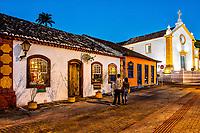 Centro histórico de Santo Antonio de Lisboa ao anoitecer. Florianópolis, Santa Catarina, Brasil. / Historic center of Santo Antonio de Lisboa at dusk. Florianopolis, Santa Catarina, Brazil.