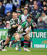 Reading, GREAT BRITAIN,Exiles',  Shane GERAGHTY passing the ball, during the Guinness Premiership game, London Irish vs Harlequins, 19.04.2008 [Mandatory Credit Peter Spurrier/Intersport Images]