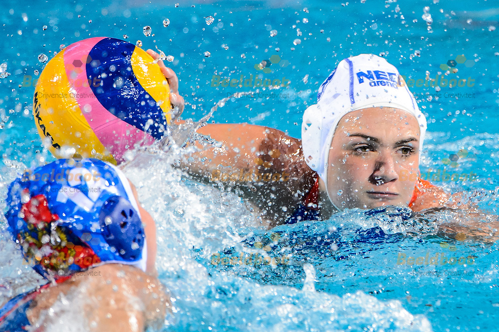 22-07-2017: Waterpolo: Nederland v Rusland: Boedapest<br /> <br /> (L-R) Maud Megens of team Netherlands. during the waterpolomatch between women Netherlands and Russia during the 17th FINA World Championships 2017 in Budapest, Hungary<br /> <br /> Photo / Foto: Gertjan Kooij