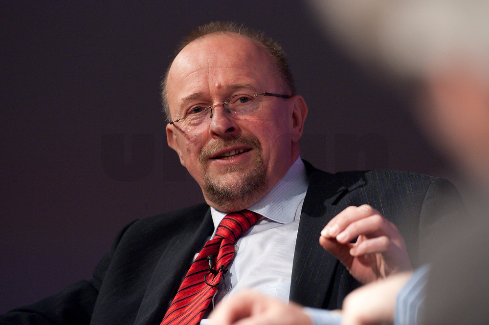 """12 JAN 2010, KOELN/GERMANY:<br /> Axel Schaefer, MdB, SPD, Diskussion """"Das Europaeische Parlament - gestaerkt durch den Lissabon-Vertrag?"""", dbb Jahrestagung """"Europa nach Lissabon - Fit fuer die Zukunft?"""", Messe Koeln<br /> IMAGE: 20100112-01-105<br /> KEYWORDS: Axel Schäfer"""