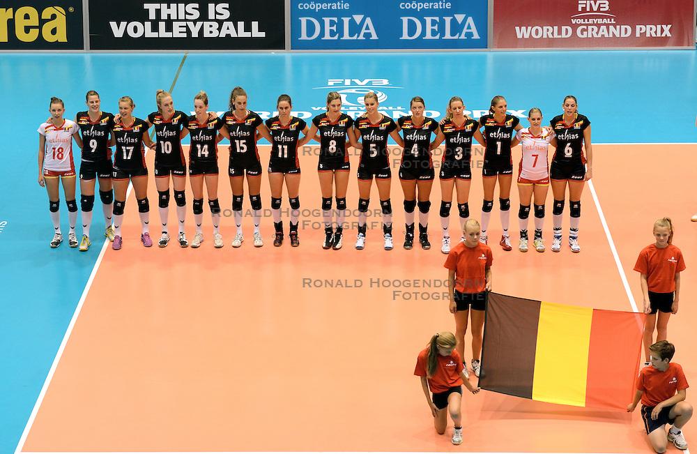 08-08-2014 NED: FIVB Grand Prix Belgie - Polen, Doetinchem<br /> Line up Belgie