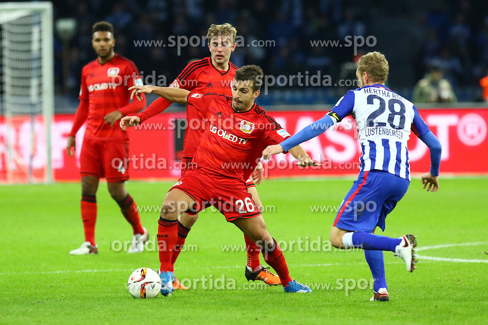 05.12.2015, Olympiastadion, Berlin, GER, 1. FBL, Hertha BSC vs Bayer 04 Leverkusen, 15. Runde, im Bild Giulio Donati (#26, Bayer 04 Leverkusen), Fabian Lustenberger (#28, Hertha BSC Berlin), im Hintergrund: Christoph Kramer (#23, Bayer 04 Leverkusen) // during the German Bundesliga 15th round match between Hertha BSC and Bayer 04 Leverkusen at the Olympiastadion in Berlin, Germany on 2015/12/05. EXPA Pictures &copy; 2015, PhotoCredit: EXPA/ Eibner-Pressefoto/ Hundt<br /> <br /> *****ATTENTION - OUT of GER*****
