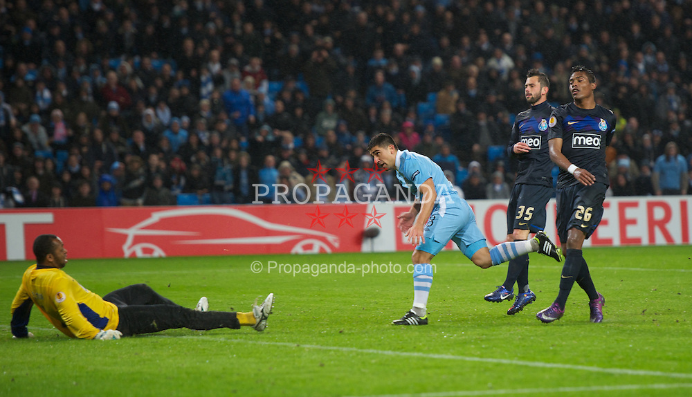 MANCHESTER, ENGLAND - Wednesday, February 22, 2012: Manchester City's David Pizarro scores the fourth goal against FC Porto during the UEFA Europa League Round of 32 2nd Leg match at City of Manchester Stadium. (Pic by David Rawcliffe/Propaganda)