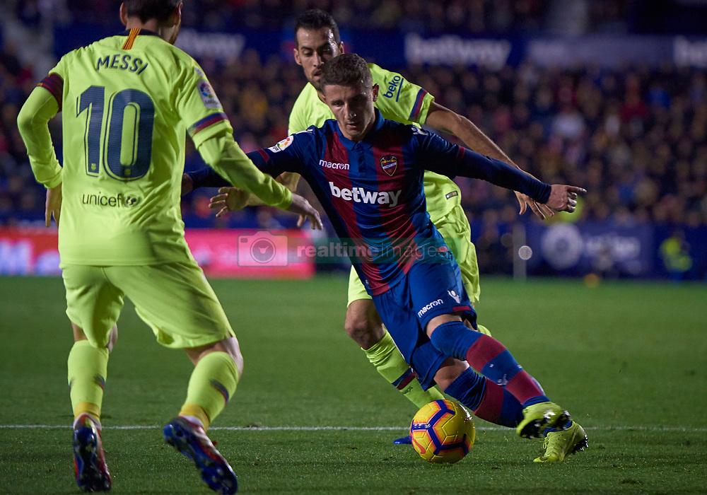 صور مباراة : ليفانتي - برشلونة 0-5 ( 16-12-2018 )  20181216-zaf-i88-480