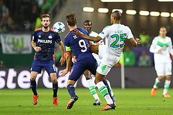 21.10.2015, Volkswagen Arena, Wolfsburg, GER, UEFA CL, VfL Wolfsburg vs PSV Eindhoven, Gruppe B, im Bild Zweikampf zwischen Luuk de Jong (#9, PSV Eindhoven) und Naldo (#25, VfL Wolfsburg) // during UEFA Champions League group B match between VfL Wolfsburg and PSV Eindhoven at the Volkswagen Arena in Wolfsburg, Germany on 2015/10/21. EXPA Pictures © 2015, PhotoCredit: EXPA/ Eibner-Pressefoto/ Hundt<br /> <br /> *****ATTENTION - OUT of GER*****