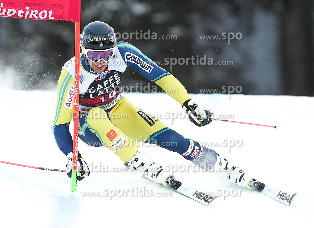 17.12.2017, Grand Risa, La Villa, ITA, FIS Weltcup Ski Alpin, Alta Badia, Riesenslalom, Herren, 1. Lauf, im Bild Andre Myhrer (SWE) // Andre Myhrer of Sweden in action during his 1st run of men's Giant Slalom of FIS ski alpine world cup at the Grand Risa in La Villa, Italy on 2017/12/17. EXPA Pictures © 2017, PhotoCredit: EXPA/ Erich Spiess