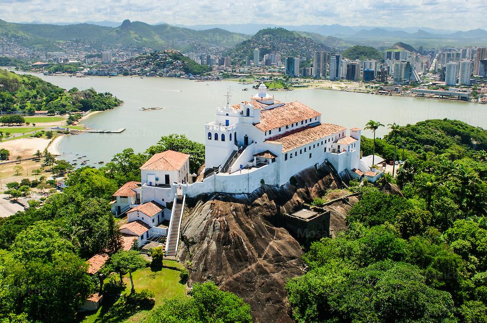 Brasil - Espirito Santo - Vitoria - Vista aerea do Convento da Penha com Cidade de Vitoria ao fundo - Foto: Tadeu Bianconi/ Mosaico Imagem