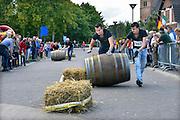 Nederland, Groesbeek, 27-9-2015Nederlandse Wijnfeesten . Wijnvatrollen, de teams van Klein America en Rol Mar Hin tijdens hun halve finale.Foto: Flip Franssen