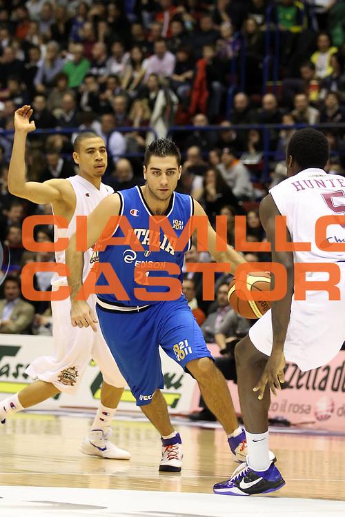 DESCRIZIONE : Milano Agos Ducato All Star Game 2011<br /> GIOCATORE : Pietro Aradori<br /> SQUADRA : Italia Nazionale Maschile<br /> EVENTO : All Star Game 2011<br /> GARA : Italia All Star Team<br /> DATA : 13/03/2011<br /> CATEGORIA : palleggio<br /> SPORT : Pallacanestro<br /> AUTORE : Agenzia Ciamillo-Castoria/ElioCastoria<br /> Galleria : FIP Nazionali 2011<br /> Fotonotizia :  Milano Agos Ducato All Star Game 2011<br /> Predefinita :