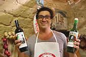 Massimo Pierfelice con le sue etichette