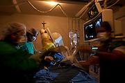 Divinopolis_MG, 09 de Junho de 2010..Veja - Cidades medias em expansao..Na foto, procedimento cirurgico no hospital Sao Joao de Deus, o segundo maior empregador da cidade..Foto: LEO DRUMOND / NITRO