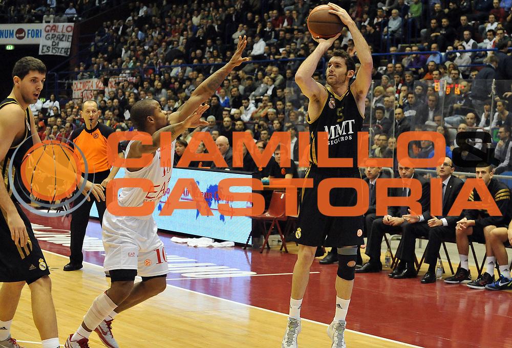 DESCRIZIONE : Milano Eurolega 2011-12 EA7 Emporio Armani Milano Real Madrid<br /> GIOCATORE : Rudy Fernandez<br /> CATEGORIA : Tiro<br /> SQUADRA : Real Madrid<br /> EVENTO : Eurolega 2011-2012<br /> GARA : EA7 Emporio Armani Milano Real Madrid<br /> DATA : 01/12/2011<br /> SPORT : Pallacanestro <br /> AUTORE : Agenzia Ciamillo-Castoria/ L.Goria<br /> Galleria : Eurolega 2011-2012<br /> Fotonotizia : Milano Eurolega 2011-12 EA7 Emporio Armani Milano Real Madrid<br /> Predefinita :