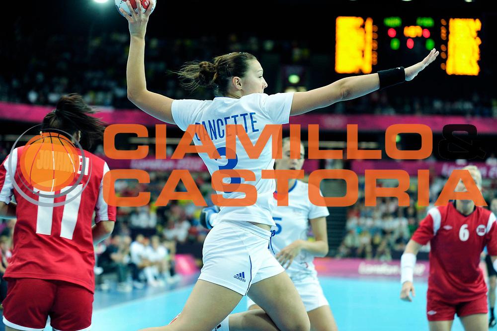 TDESCRIZIONE : France Hand Jeux Olympiques Londres <br /> GIOCATORE :  DANCETTE Blandine FRA<br /> SQUADRA : France Femme<br /> EVENTO : FRANCE Hand Jeux Olympiques<br /> GARA : FRANCE NORVEGE<br /> DATA : 28 07 2012<br /> CATEGORIA : Hand Jeux Olympiques<br /> SPORT : Handball<br /> AUTORE : JF Molliere