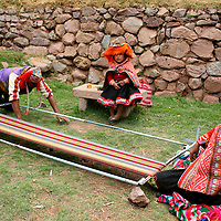 Americas, South America, Peru, Cusco. A family of weavers of the Andes.